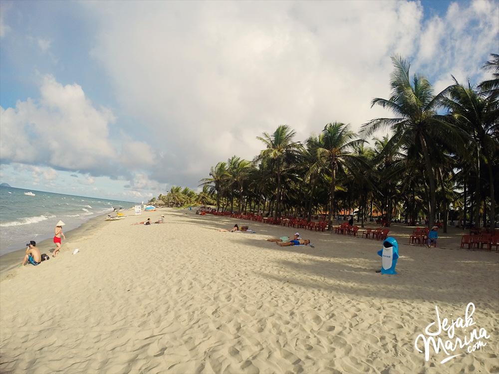 Finding Beach in Hoi An, Vietnam