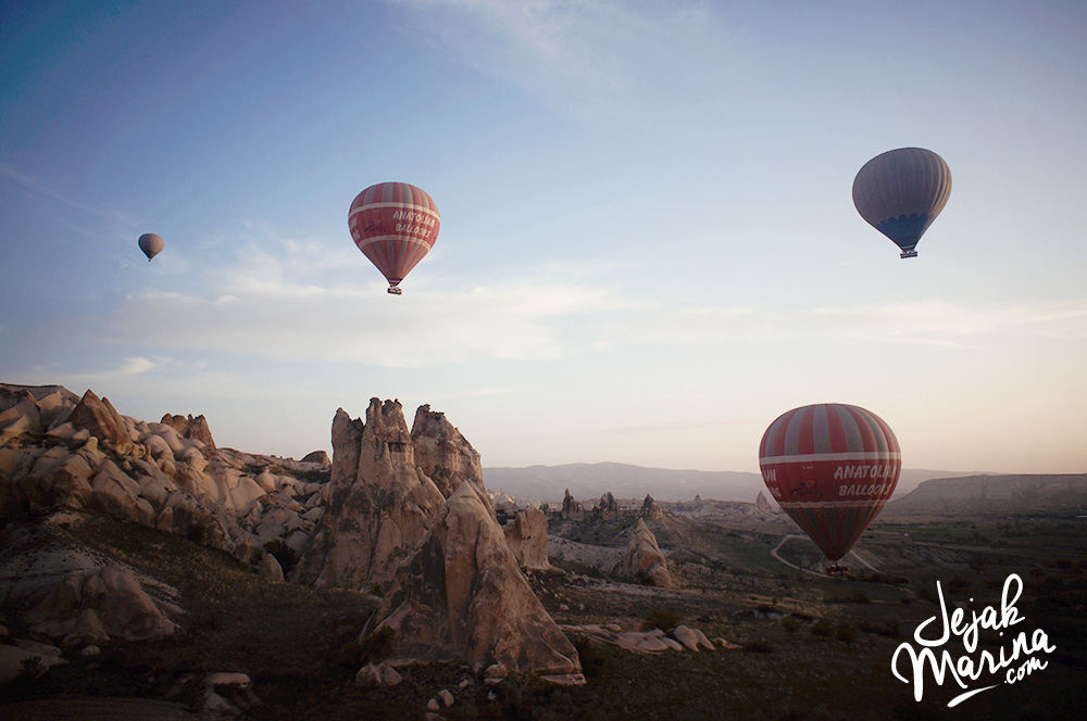 Flying Hot Air Balloons Cappadocia Goreme