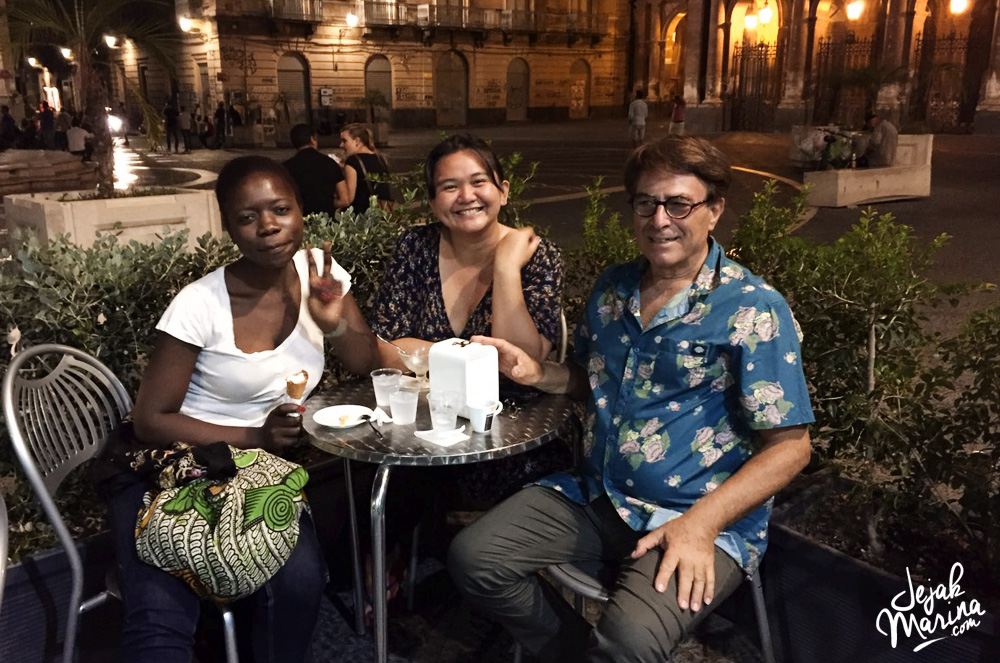 The Art of Couchsurfing: What is Couchsurfing meaning?